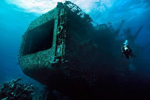 wreck-in-red-sea
